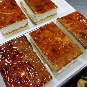 Pastel de queso y pasas